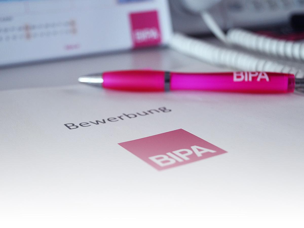 Bewerbungsunterlagen mit BIPA-Logo